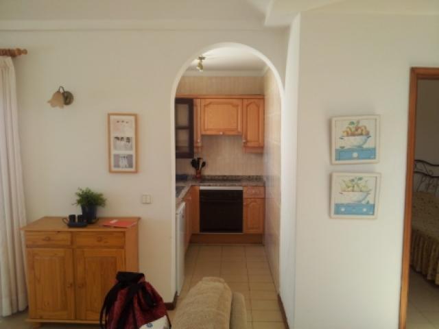 Well equipped kitchen - 27 Lago Verde, Puerto del Carmen, Lanzarote